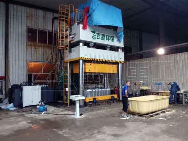 2500吨四柱液压机(玻璃钢化粪池模压机)