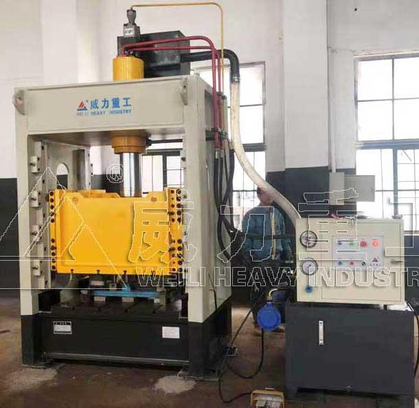 100吨框架式液压机_框式油压机